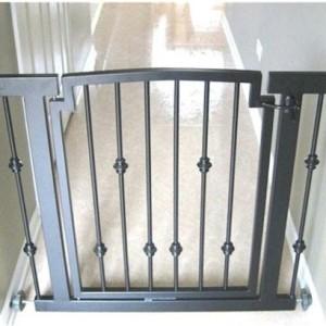 Emperor Rings Hallway Dog Gate